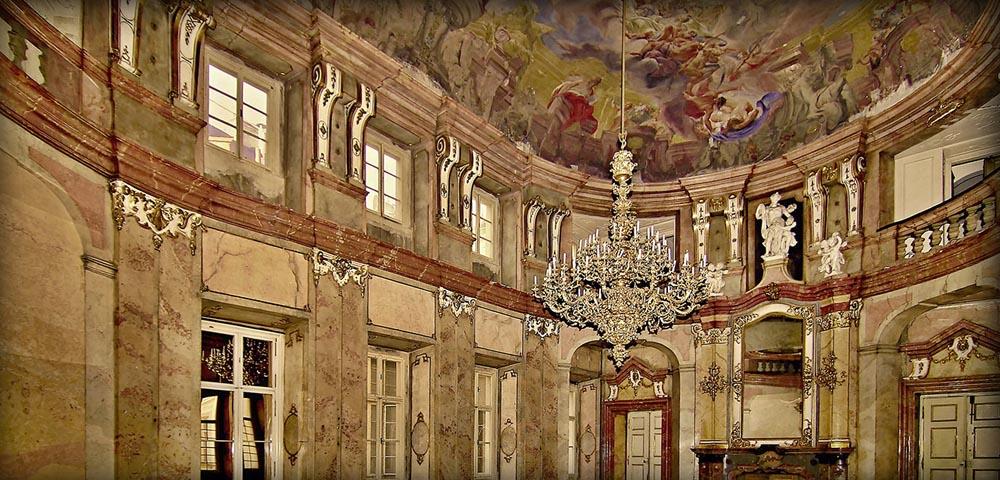Colloredo Mansfeld Palace Features Galerie Hlavn 237 Ho